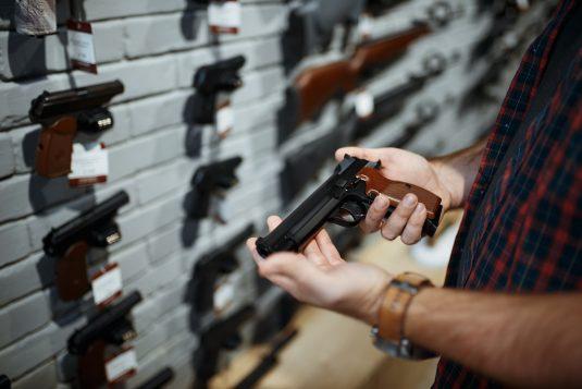 Legalny sposób na kupno broni palnej